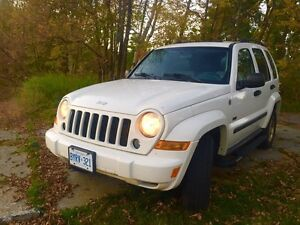 CERTIFIED! 2007 Jeep Liberty Sport 4 x 4 - Like NEW