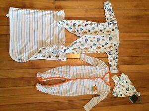 Très beau lot de vêtements pour bébé de marque Banana Blue