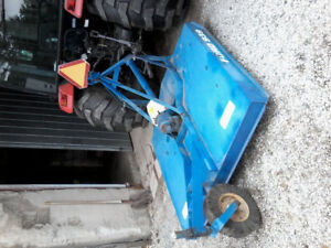 5 foot Ford 939 rotary cutter in excellent condition