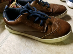 Size 12 brown boys shoes