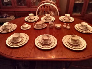 "Dinnerware set ""Royal Albert Tranquility"""