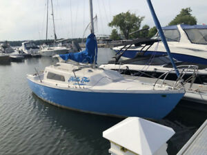 Grampian 23 Day sailor with Honda outboard 75, and trailer
