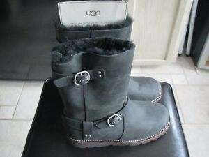Ugg Boots size 6 Ladies: REDUCED