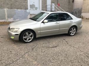Lexus is300 leather heated seats, a/c, bluetooth usb, exhaust..