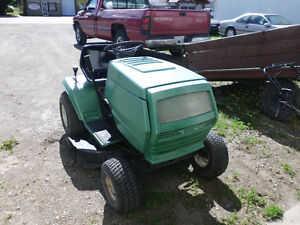 Turf Trac Lawn Tractor 32in cut New Blades