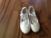 Girl's Dress Shoes -Size 1