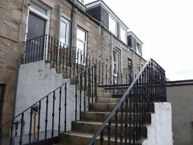 Balmoral Terrace AB10 - Two Bedroom Flat w/ Outhouse for Rent - - Newly Decorated & Free Parking