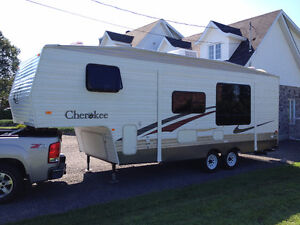 FIFTH WHEEL CHEROKEE LITE 2006 - Possibilité kit camion