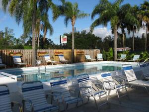 Hollywood Floride, 18 logements, tous sur 1 plancher.