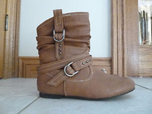 NYC Couture tan ankle boots - size 8