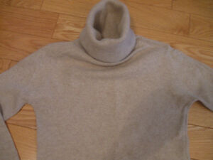 LADY'S ANGORA BLEND TURTLE-NECK BEIGE SWEATER