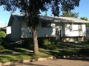 Fort Saskatchewan - Great for Employee Housing-2 full suites