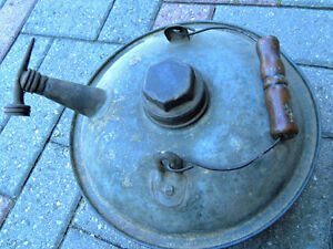 Oil can, Vintage oil can. London Ontario image 3