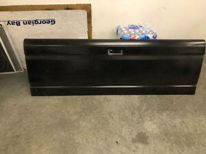 1986-96 ford tailgate brand new from ford