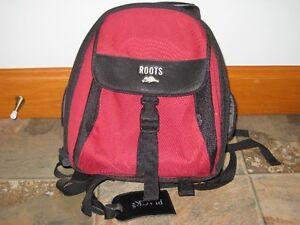 Roots camera backpack