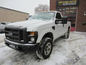 2009 Ford F-350 XL SUPER DUTY WITH ONLY 115,000 KM