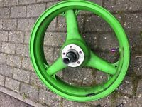 ZX9R E1 FRONT WHEEL & SPINDLE