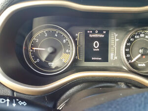 2014 Jeep Cherokee North 4x4, 1 owner clean with clean history London Ontario image 8