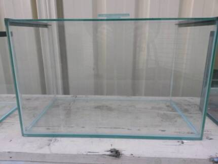 AQUARIUM FISH TANK glass with lid suitable for small fish
