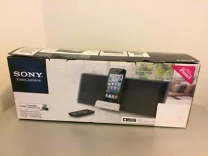 Sony portable speaker iPhone/iPod/iPad lighting - $100 (Sealed)