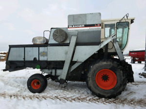 1984 Gleaner L3 with 3 heads
