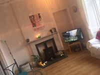 One bedroom available in beautiful 3 bedroom flat in Stockbridge