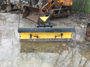 6.8 fisher quick attach plow with Myers pump