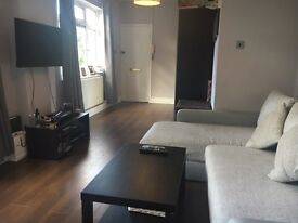 Furnished Studio Apartment in Buckhurst Hill £815pcm