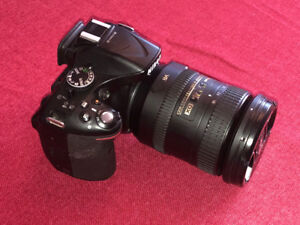 Nikon D5200 DSLR with Nikon 28-200mm zoom - as new