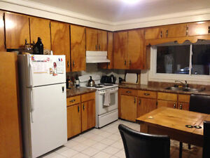 Looking for 1 roommate Feb 1st, 2017 URGENT