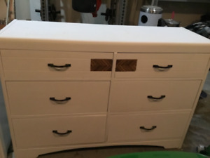 Dresser and coffe table