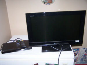 SONY TV AND DVD PLAYER