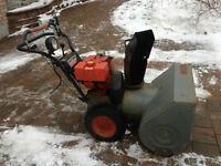 SNOW BLOWER - CRAFTSMAN - 10 hp 28 inch ELECTRIC START