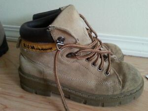 hiking boots size 2