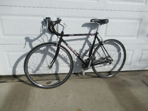 Road Bike GIANT KRONOS, asking $350 or offers.
