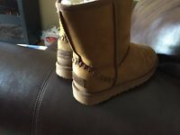 Size 3 UGGs in near mint condition almost never worn