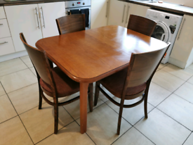 Extenable Dining table with 4 x chairs