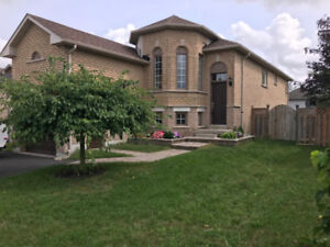 $1750 ALL INCLUSIVE 2 BEDROOM UNIT AVAIL- SOUGHT AFTER LOCATION!