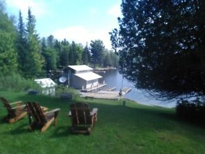 Spacious 4 bedroom cottage on Baptiste Lake, Bancroft