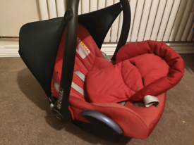 Maxi Cosi Cabriofix car seat with base + another ONE FREE