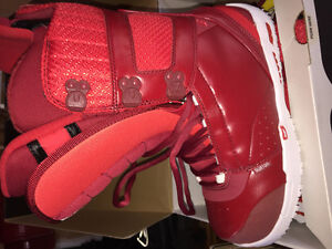 Burton Red Snowboard Boots Size 9 UNUSED!!!! 10/10 condition