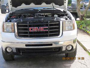 2009 GMC Sierra 2500 Pickup Truck