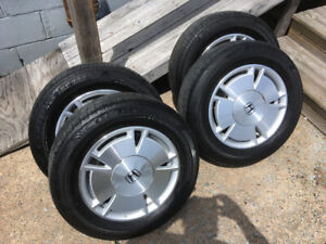 Honda civic alloy rims and summer tires.