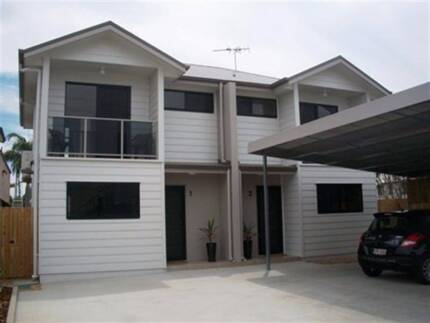 Modern 3 bedroom two bathroom executive townhouse in the CBD, 2 m