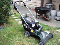 LEAF VACUUM YARDWORKS MINT CONDITION USED ONCE