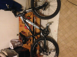 PRICE REDUCED! 200$ Opus Sonar 26 mountain bike