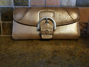 Coach wallet - gold