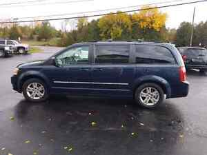 2008 dodge caravan dvd loaded  certified etested  Belleville Belleville Area image 2