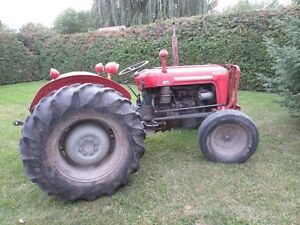 MASSEY FERGESON TRACTEUR