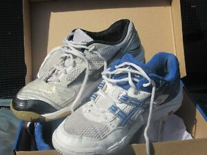 Volleyball Court Shoes- Mizuno or ASICS London Ontario image 1